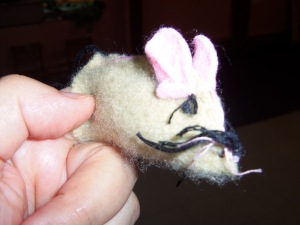 finished mouse finger puppet