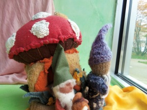 more gnomes enjoying the fall scenery